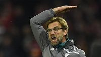 Naštvaný kouč Liverpoolu Juergen Klopp během finále Evropské ligy.