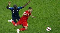 Francouz Ngolo Kanté (13) na snímku ze semfinále s Belgičanem Edenem Hazardem.