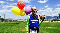 Larry Macon je velký sportovec. Právě uběhl maratón číslo 1500!