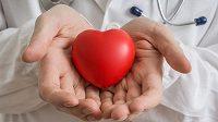 Ani transplantace srdce malou dívku nezastavila.