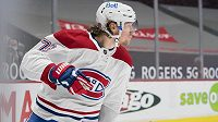 Útočník Tyler Toffoli z Montrealu oslavuje svoji trefu v utkání NHL proti Vancouveru.