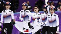 Korejská štafeta po olympijském triumfu v rychlobruslení na krátké dráze na 3000 metrů.