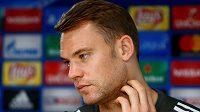 Smutný Manuel Neuer. Po operaci se k fotbalu vrátí až v novém roce.