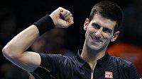 Srb Novak Djokovič se výrazně přiblížil účasti v semifinále Turnaje mistrů.