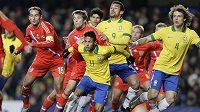 Talentovaný Brazilec Neymar (11) už válí i v reprezentaci.