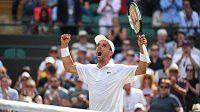 Roberto Bautista udivuje svými výkony ve Wimbledonu.