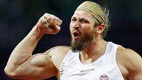 Polský koulař Tomasz Majewski slaví olympijské zlato