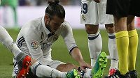 Zraněný Gareth Bale.