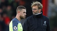 Liverpoolský kouč Jürgen Klopp a Jordan Henderson po prohře s Bournemouthem.