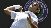 Švýcarský tenista Roger Federer porazil v osmifinále Wimbledonu Španěla Tommyho Robreda.