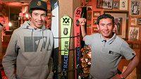 Saíd Ališah Farhang (vlevo) a Sajád Husajní budou jako první sportovci z Afghánistánu reprezentovat svoji zemi na zimních olympijských hrách.