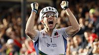 Portugalec Rui Costa se raduje z titulu mistra světa.