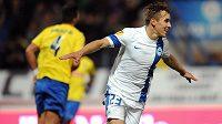 Liberecký záložník Josef Šural oslavuje vedoucí gól s Estorilem. Proletí se jeho Slovan i proti Seville...?