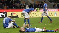 Zdrcení italští fotbalisté po vyřazení v baráži o MS.