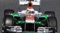 Do týmu Force India se po roční pauze vrací německý pilot Adrian Sutil.