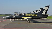 Aero L-39C Albatros, ve kterých léta Breitling Jet Team. Umění tohoto uskupení ve vzduchu poznali před pár dny i hokejsité NHL Justin Abdelkader a Dylan Larkin z Detroitu.