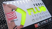 Kompresní návleky na ruce CompresSport Armforce Fluo - tradičně nápaditý design.