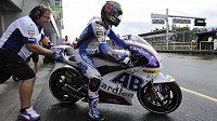 Karel Abraham před závodem v kategorii MotoGP