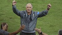 Euforie. Trenér Brazílie Luiz Felipe Scolari se raduje z výhry v Konfederačním poháru FIFA.