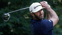 Americký golfista Dustin Johnson v Nortonu.