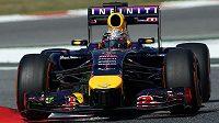 Sebastian Vettel ze stáje Red Bull během tréninku na Velkou cenu Španělska.