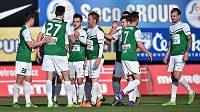 Jablonečtí fotbalisté se radují z gólu proti Zlínu.