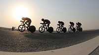 BMC Racing Team na trati časovky při MS v Kataru.