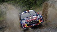Sébastien Loeb čtvrtým triumfem v řadě upevnil vedení v MS.