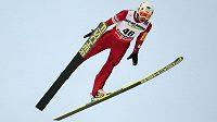 Polský skokan na lyžích Kamil Stoch vyhrál na mistrovství světa ve Val di Fiemme závod na velkém můstku.