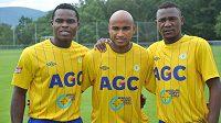 Nové posily teplických fotbalistů - zleva nigerijský útočník Eugene Salami, reprezentant Kapverských ostrovů Nivaldo a Francis Litsingi z Konga, který přišel v zimě.