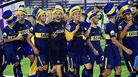 Hráči Boca Juniors se radují z titulu.