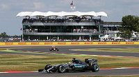 Britský jezdec Lewis Hamilton ze stáje Mercedes si poosmé v sezóně vyjel pole position.