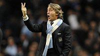Kouč Manchesteru City Roberto Mancini stále věří v obhajobu titulu.