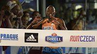 Keňan Geoffrey Ronoh se stal v sobotu v Praze vítězem Mezinárodního běžeckého závodu na 10 km Birell Grand Prix Praha.