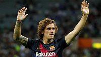 Barcelonská hvězda - Antoine Griezmann - si v pondělí španělskou ligu zatím nezahraje.
