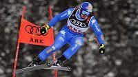 Ital Dominik Paris na trati superobřího slalomu MS v Aare.