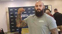Michal Martínek po vážení v Newarku. Za pár hodin se bude bít o šanci na kontrakt v UFC.