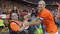 Nizozemský fotbalista Arjen Robben chce s Oranjes znovu do finále.