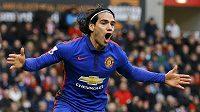 Útočník Radamel Falcao se raduje z gólu, v dresu Manchesteru United už však příliš dlouho nejspíš hrát nebude.