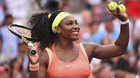Světová jednička Serena Williamsová na US Open zdraví domácí příznivce.