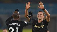 Tito dva hráči se góly zasloužili o vítězství proti Leedsu - Ogbonna (vlevo) a Souček.