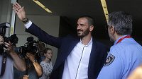 Leonardo Bonucci zdraví fanoušky AC Milán.