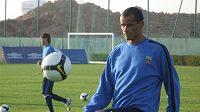 Slavný Brazilec Rivaldo si v Dubaji zatrénoval hned po fotbalistech Slavie.