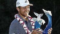 Golfista Xander Schauffele si skvělým finálovým kolem zajistil triumf na Turnaji šampionů na Havaji.
