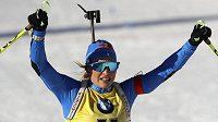 Italská biatlonistka Dorothea Wiererová získala zlato na MS ve vytrvalostním závodě na 15 kilometrů.