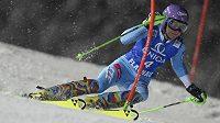 Česká lyžařka Šárka Strachová během slalomu ve Flachau.