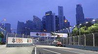 Víkendovou Velkou cenu Singapuru bude pilotům komplikovat špatná kvalita ovzduší.