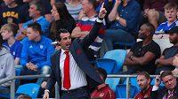 Kouč Arsenalu Unai Emery během duelu v Cardiffu.