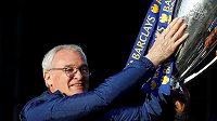 Fotbalisty posledního týmu anglické ligy Fulhamu bude trénovat Claudio Ranieri.