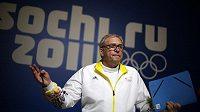 Michael Vesper, šéf olympijské výpravy Německa odpovídá na tiskové konferenci na otázky novinářů.